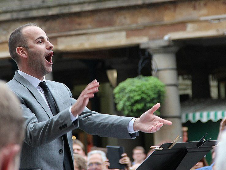 Dominic conducts 1000 voices for The Royal Opera House